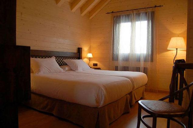 hotel_piedrafita_lodge_habitacion-min